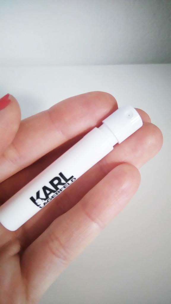 vzoreček parfému Karl Lagerfeld